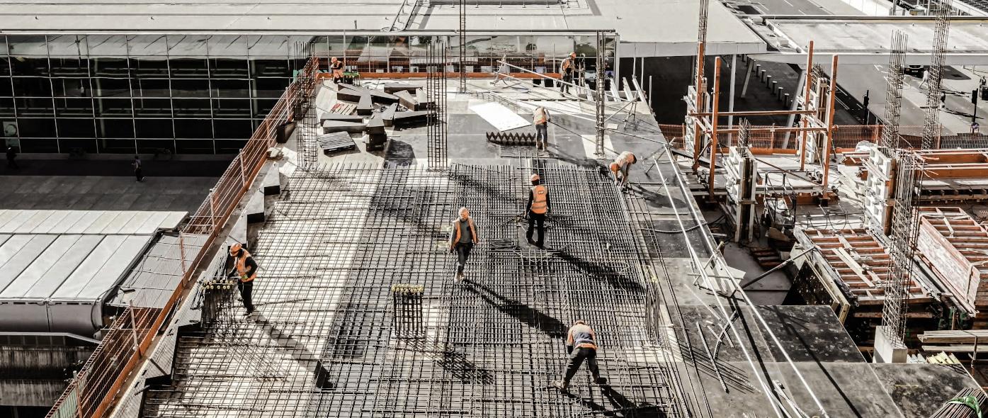 Arbeit im Freien: Die besten Tipps gegen Hitze