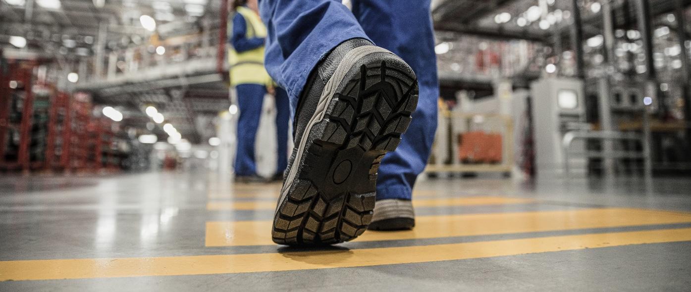 Arbeitsschuh: Welches Sohlenmaterial eignet sich für welchen Einsatzbereich?
